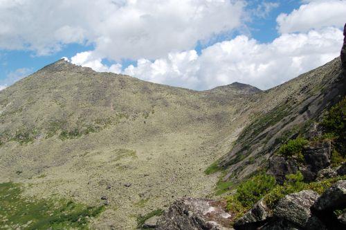 Вид на перевал НКТ с перевала Сказка. Ергаки